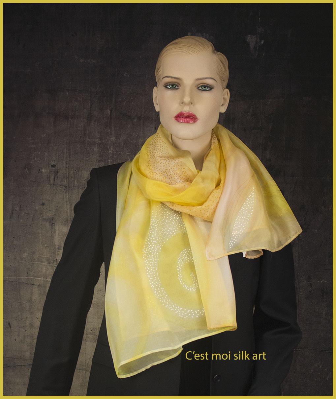 selyem sál sárga spirálokkal 06