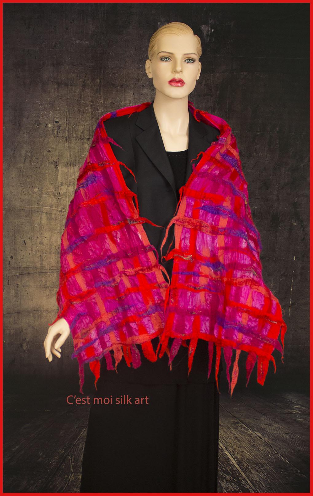nemezelt selyem sál pink és piros csíkok 01