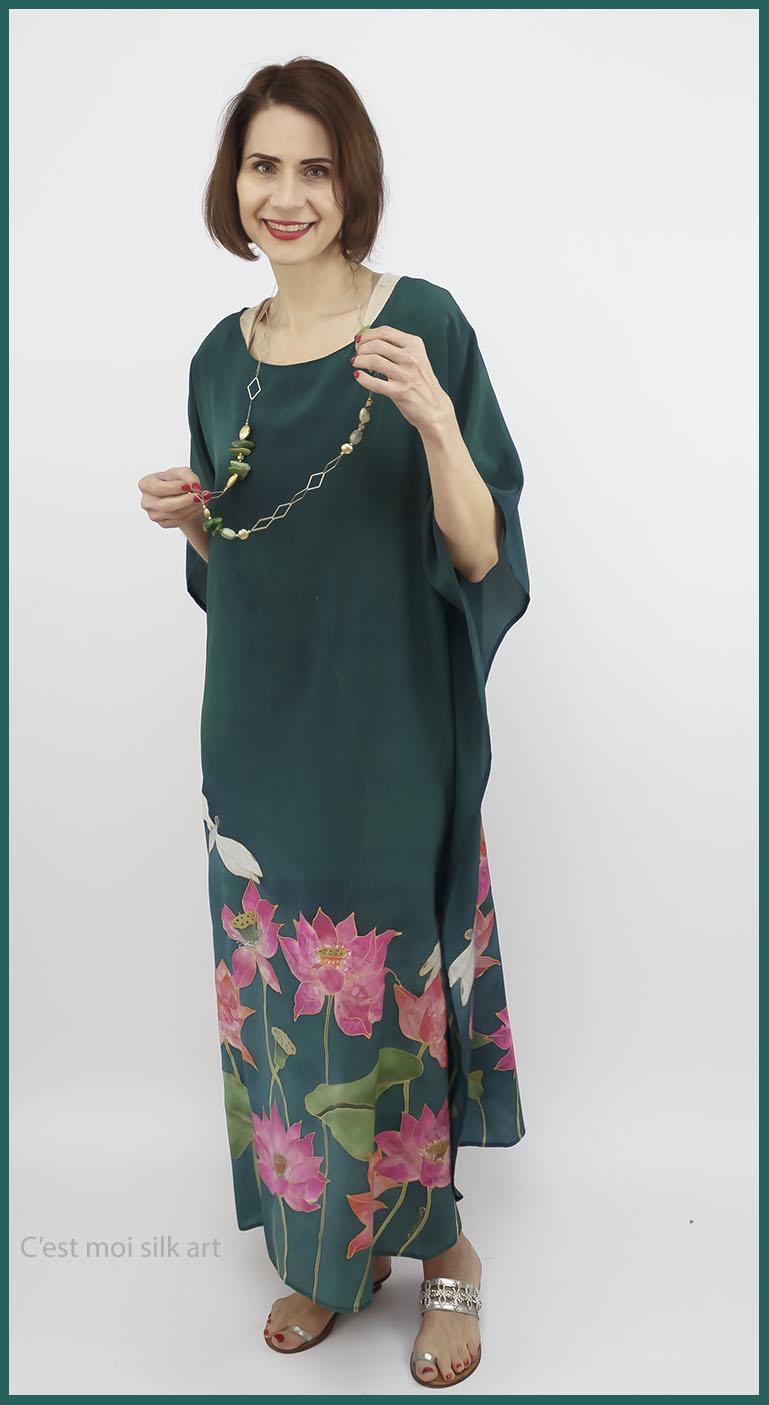 selyem crepe de chine kézzel festett ruha zöld lótuszokkal 05
