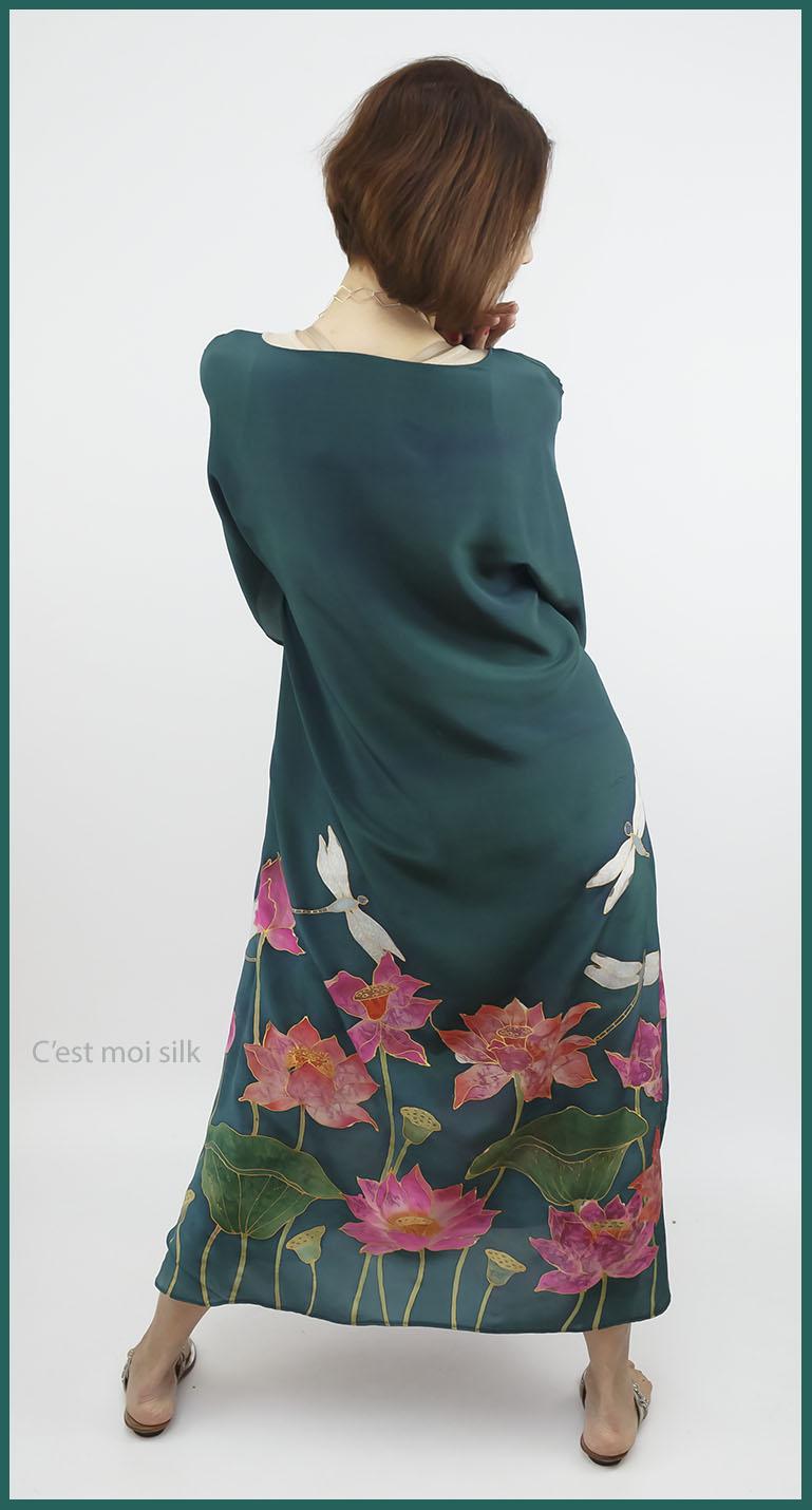 selyem crepe de chine kézzel festett ruha zöld lótuszokkal 07