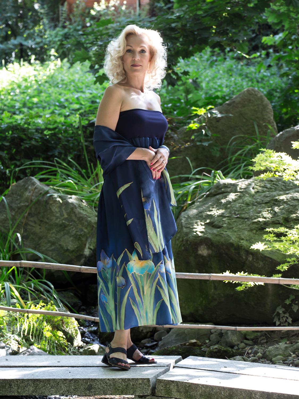selyem-ruha-kék-íriszes-02