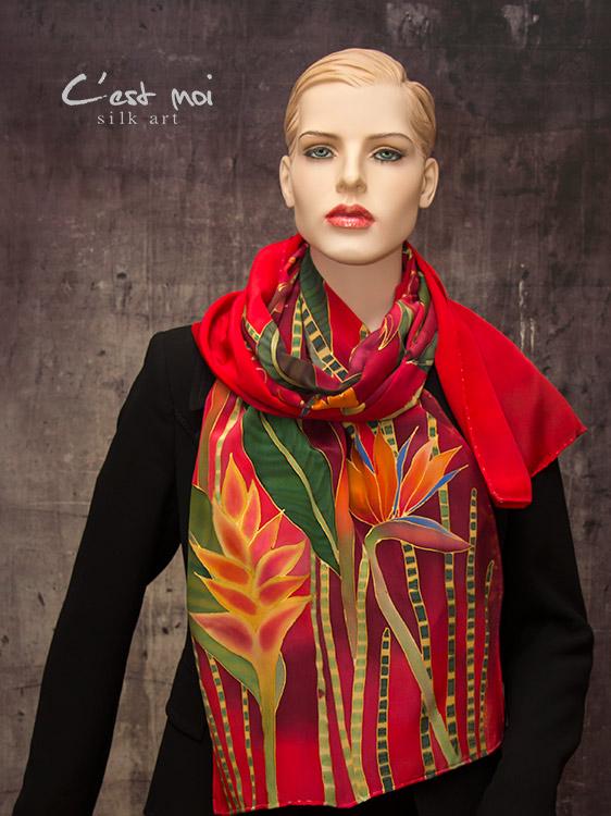 hernyóselyem-sál-trópusi-virágokkal-03